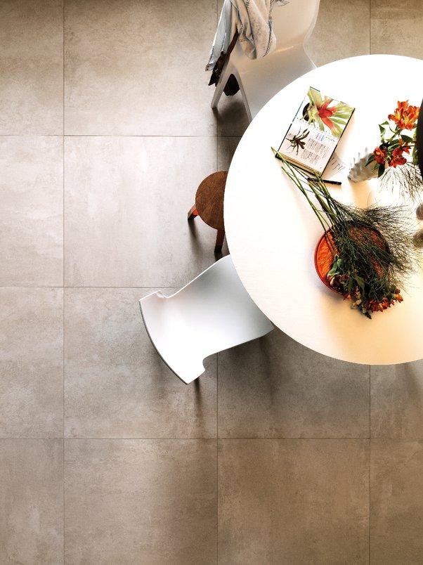 Cement; mesa de jantar com flores