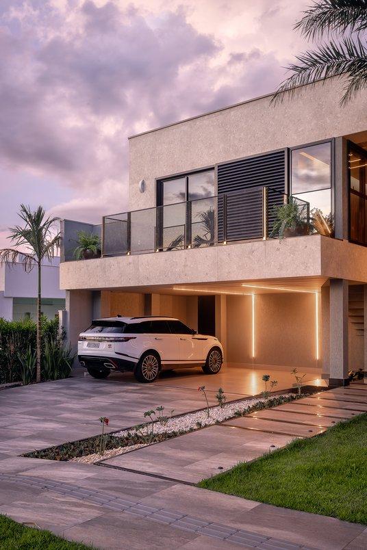 Garagem e calçada