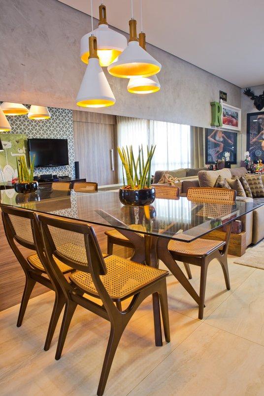 sala de estar e jantar de apartamento com o piso Travertino Navona BIANCO natural