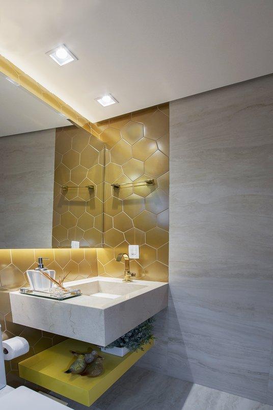 Banheiro com mosaico Tresor e mosaico Navona