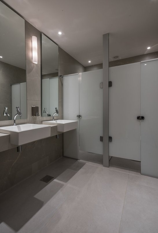 Banheiro de apoio ao Salão de Festas