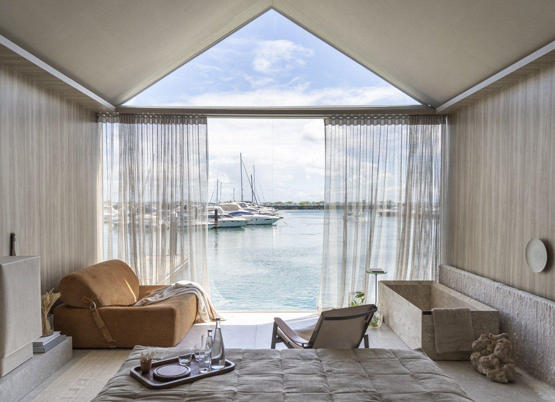 Suíte vista mar- Projeto: Sinta Arquitetura Foto: Gabriela Daltro