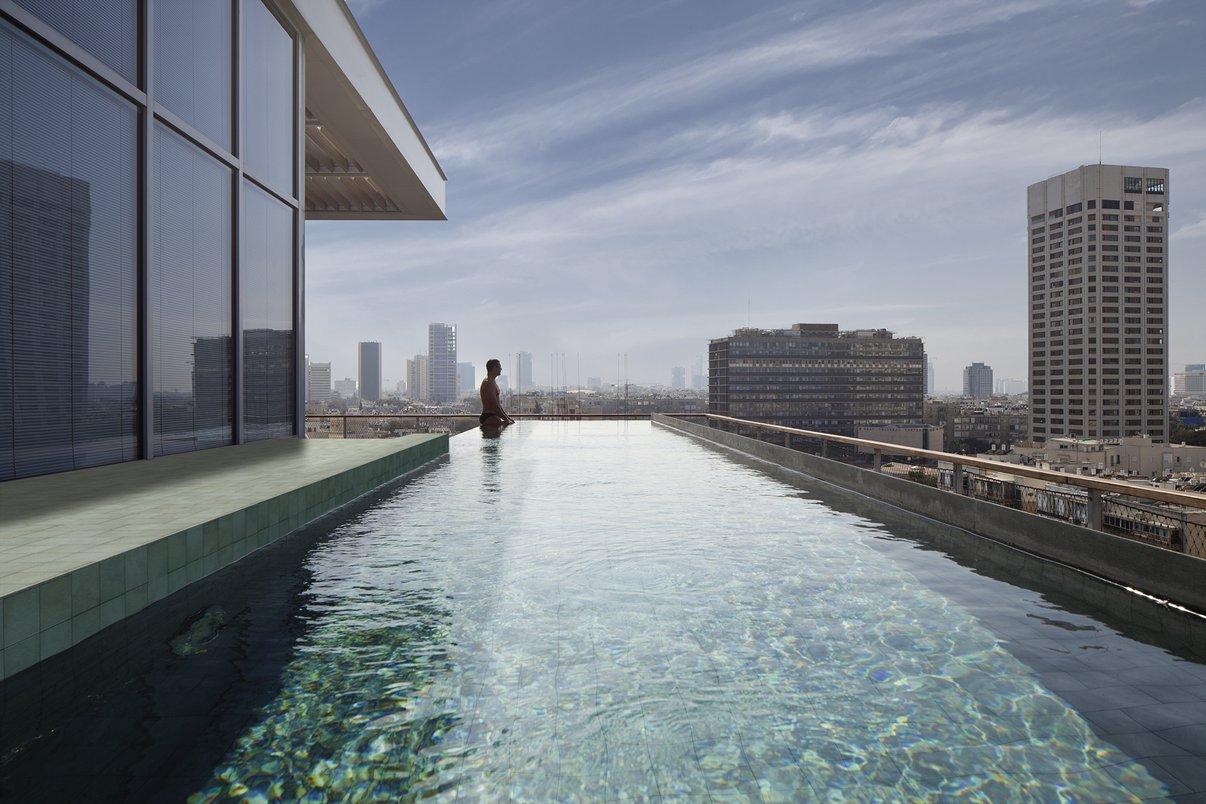 Ibiza na piscina