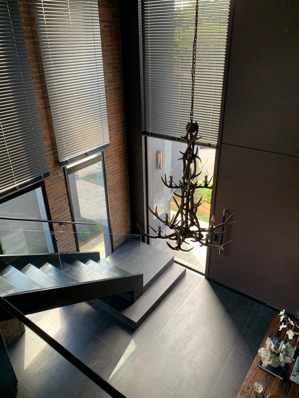 Revestimento piso interno: Concrete Graphite 1.20x1.20 nat (Portobello)