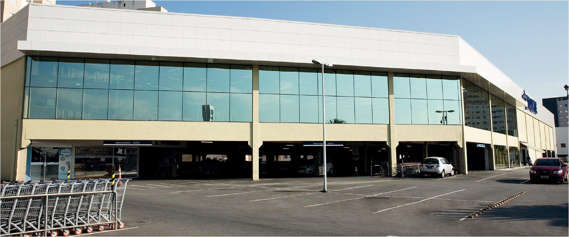 Supermercados Tauste - Sorocaba, SP - Equipe: Bagnato - Arquiteto: Fernando Esteves e Homero Perim