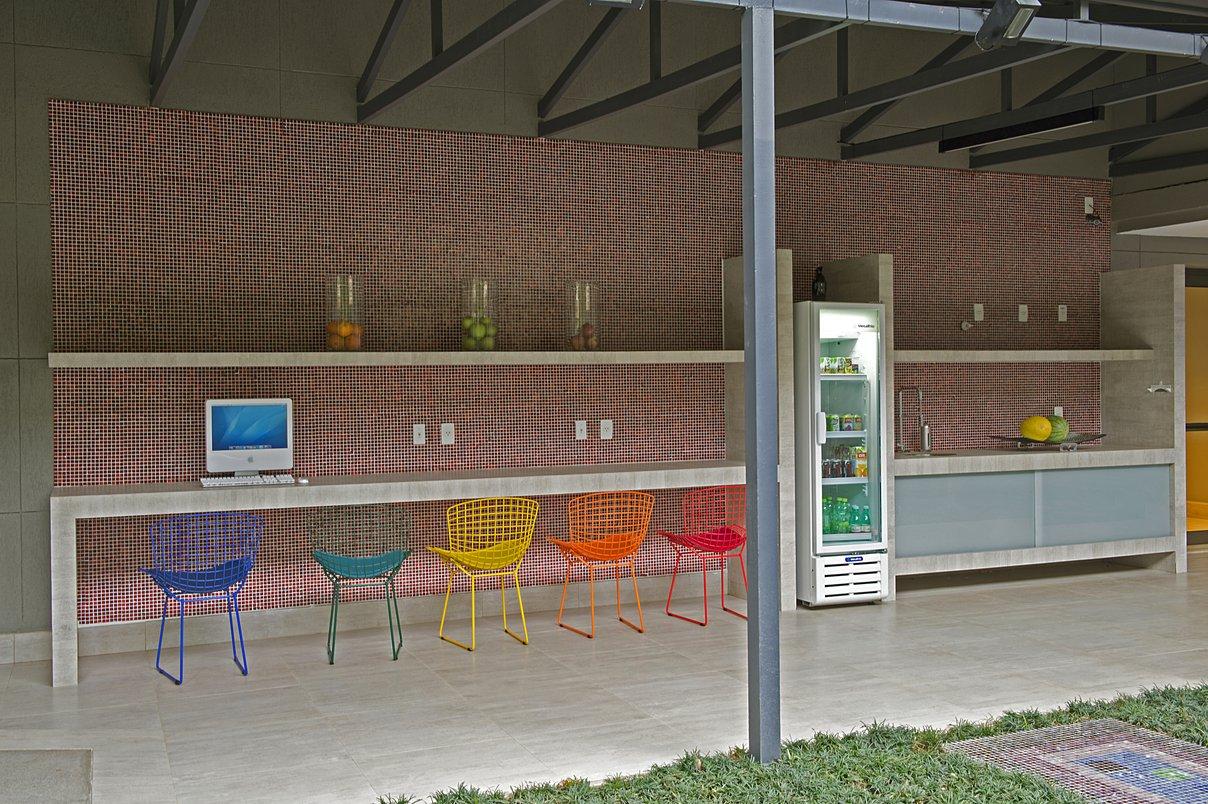 Bancada e piso em Porcelanato Portobello, Linha Concretíssyma, Portland Line Polido 0,60 X 1,20 m. Portobello Cortes Especiais, Projeto ARX