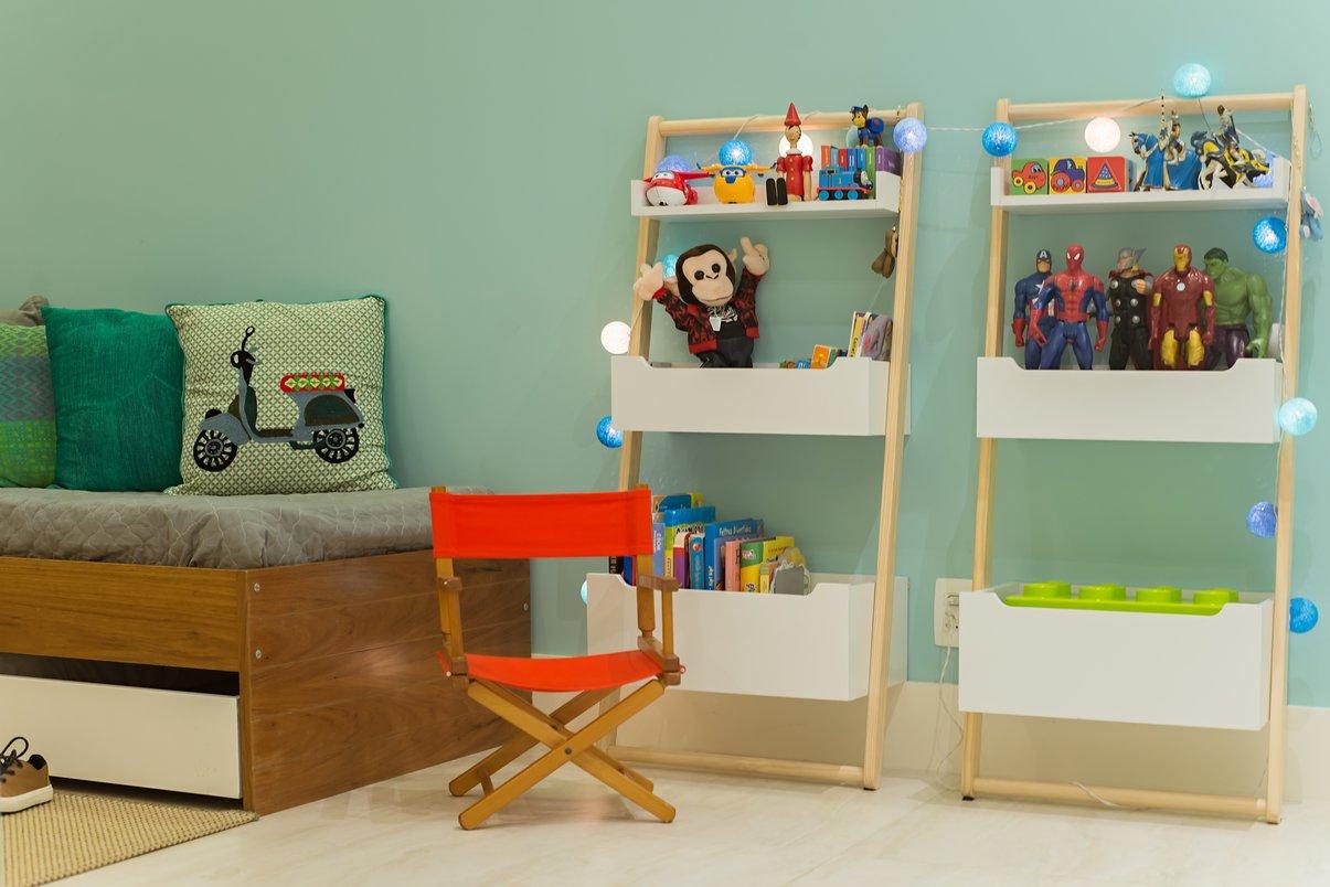 Quarto Infantil. Foi utilizado o piso em porcelanato Travertino Navona para uma melhor limpeza do ambiente, além de padronizar com o restante do piso da casa.