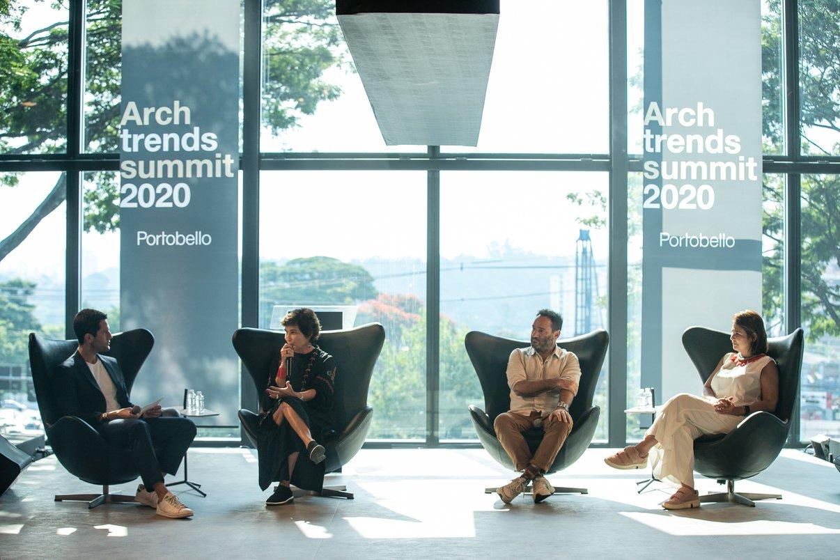 """A mesa-redonda, conduzida por Pedro Andrade, com Marcelo Rosenbaum, Nina Almeida Braga, do Instituto-e, e Christiane Ferreira, Diretora de Branding e Inovação da Potobello, deu destaque para a """"Sustentabilidade do Design"""""""