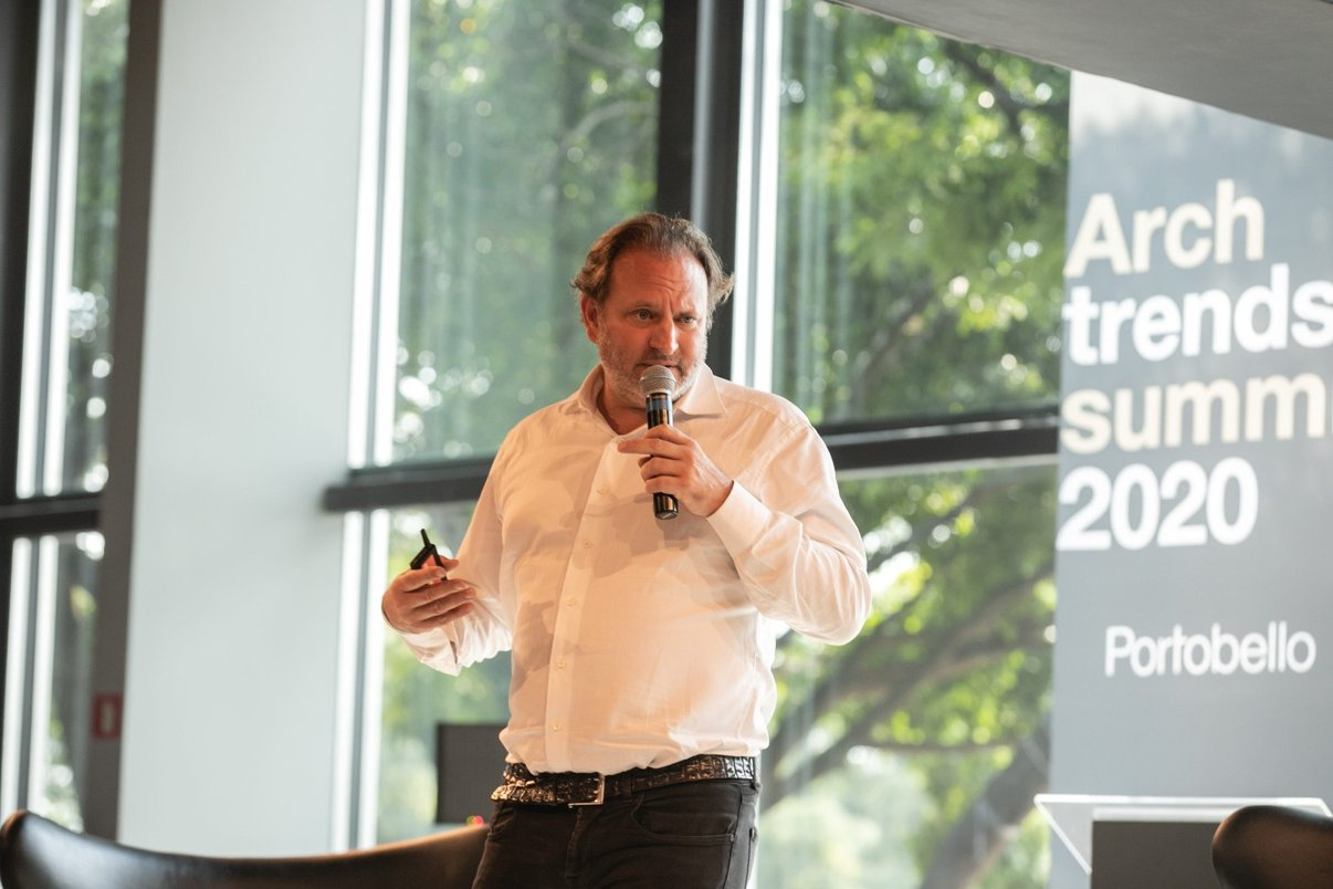 Palestrante Alexandre Allard fala do projeto Cidade Matarazzo.