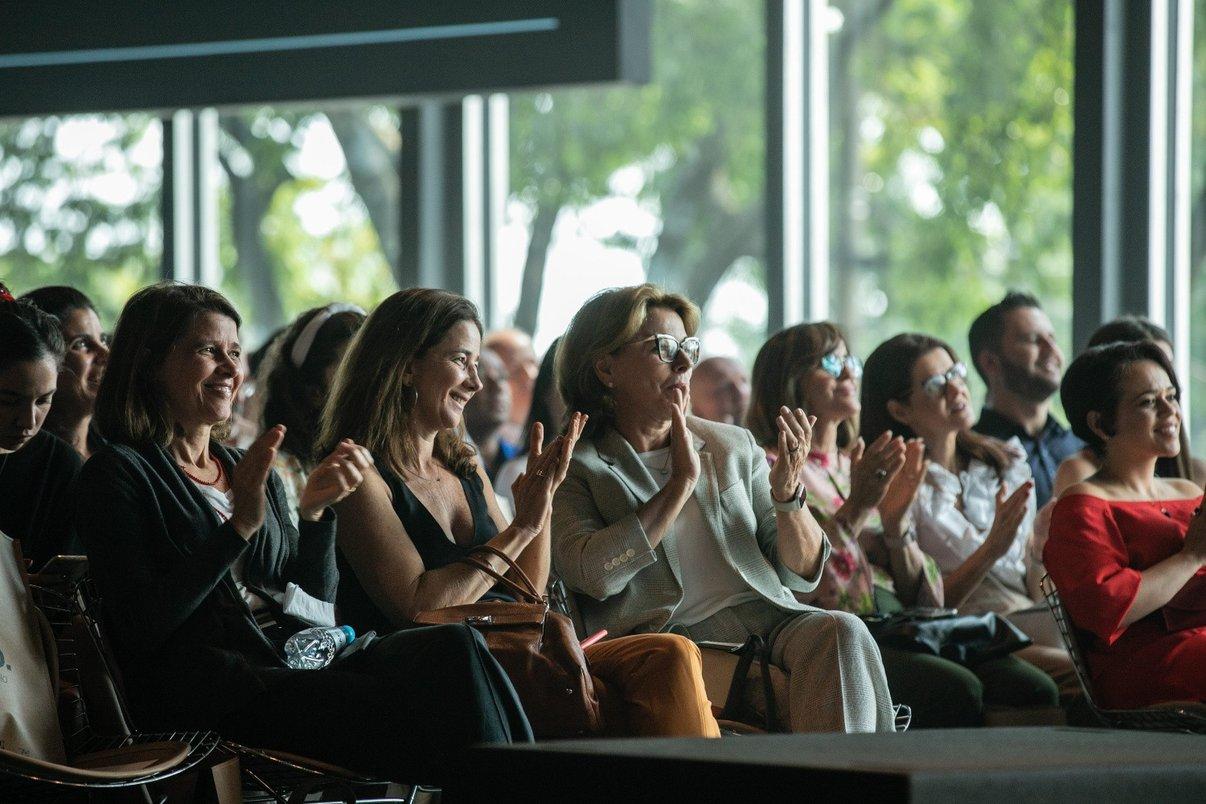 Plateia vibra em uma das palestras do Archtrends Summit 2020.