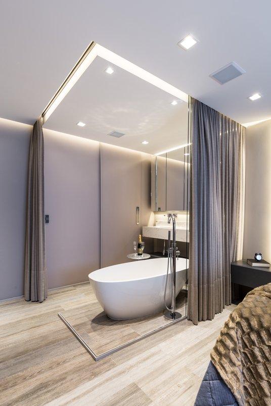 Banheiro com banheira integrado