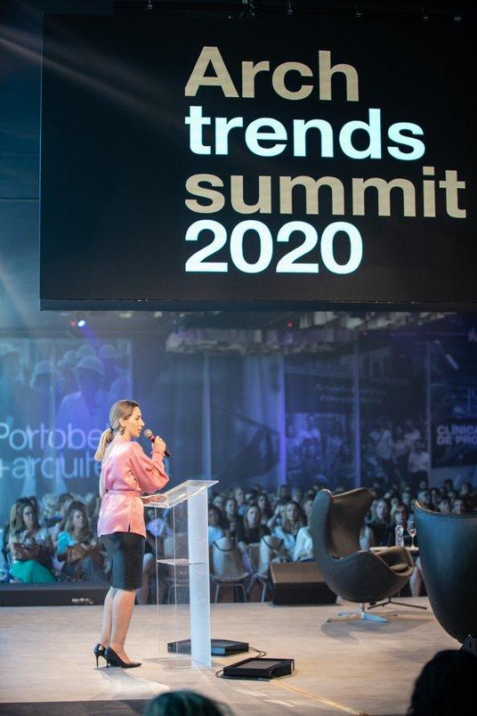 Juliana Peixoto apresenta Archtrends Summit 2020.