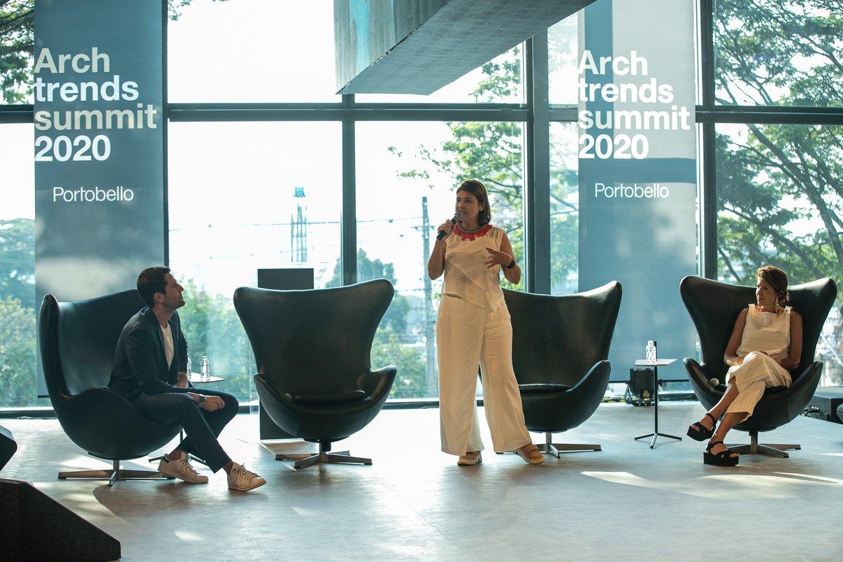 Christiane Ferreira, Diretora de Branding e Inovação da Potobello junto a Pedro Andrade e Taissa Buesco.