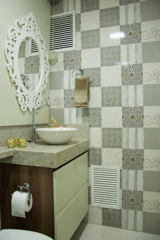 Banheiro que funciona como lavabo para o apartamento