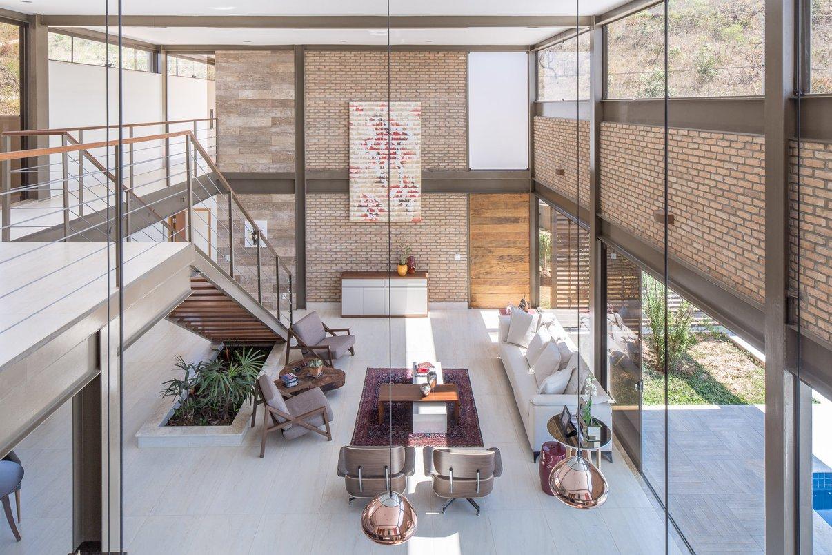 Sala Casa MM CoGa Arquitetura com Travertino Navona Bianco 60x120